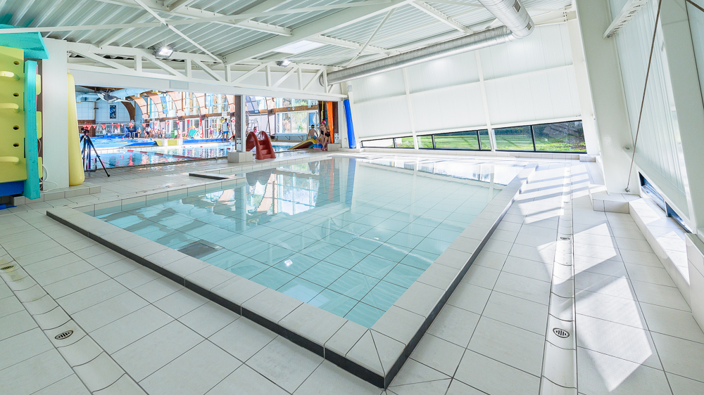 lab extension piscine de grand champ 56 intervalphoto