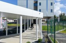 Launay Architecte (Couasnon & Launay), passage couvert et espace pastoral, Lycée Ozanam, Cesson-Sévigné, 35.